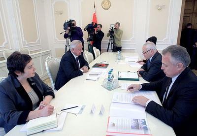 Премьер-министр Беларуси Михаил Мясникович встретился с госсекретарем Союзного государства Григорием Рапотой